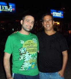 גד ואבי פיטוסי, אי שם בתאילנד